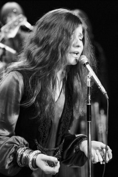 NEW YORK - MARCH 16:  Blues singer Janis Joplin and  the Kozmic Blues Band perform on the Ed Sullivan Show on March 16, 1969 in New York City, New York. (Photo by David Gahr/Getty Images)